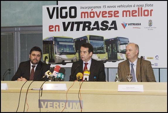 Director  general Vitrasa, Juan Carlos Villariño; Alcalde de Vigo, Abel Cabaleiro; Consejero de transporte, Julio Calviño