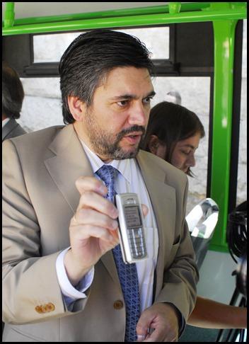Juan Carlos Villarino, mostrando un SMbus