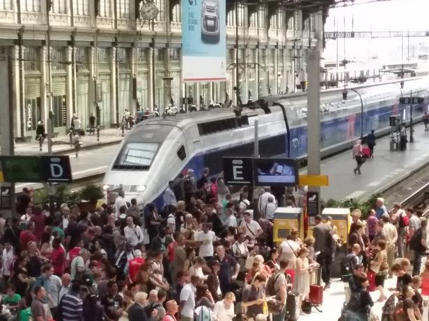 Tren de Alta Velocidad  frances (TGV Duplex))